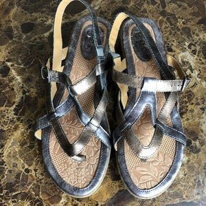 B.O.C  sandals sz 8 leather upper ankle strap